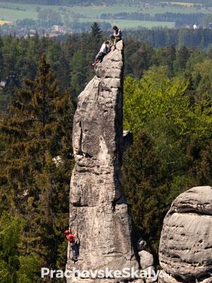 Horolezci na Prachovské jehle